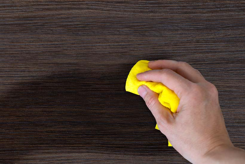 Rubbing Alcohol On Wood Furniture, Will Rubbing Alcohol Damage Laminate Flooring